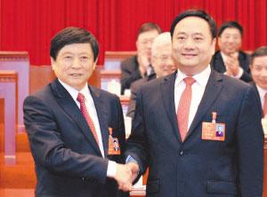 省委常委、市委书记邢国辉祝贺邓沛然当选市人民政府市长